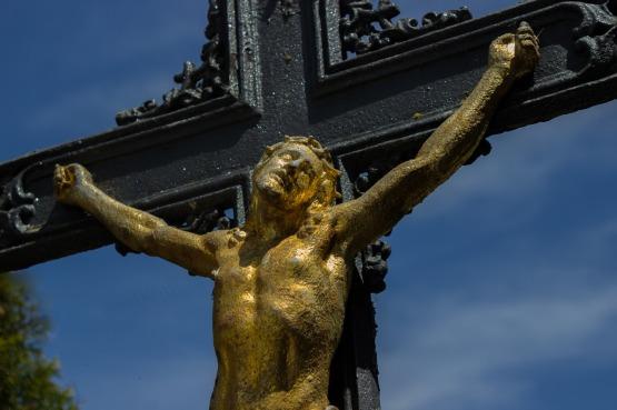crucifix-1409066_1280